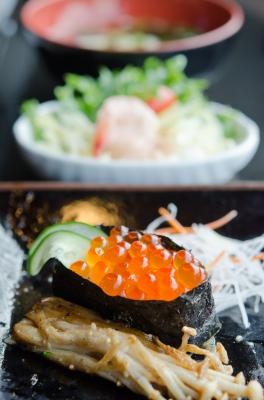 Sushi seaweed Image courtesy of rakratchada torsap at FreeDigitalPhotos.net