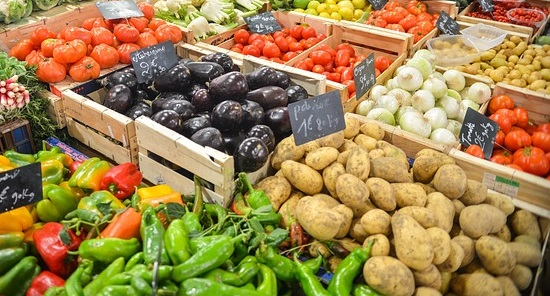 nightshades-veg-market