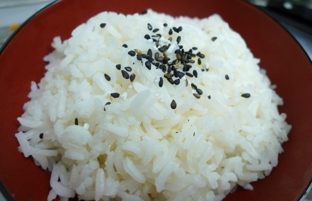 Black sesame seeds: more than just a tasty garnish on sushi rolls and rice. Photo credit: Arnold Gatilao (arndog/Flickr)